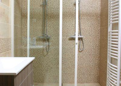 zuhanykabin (1)